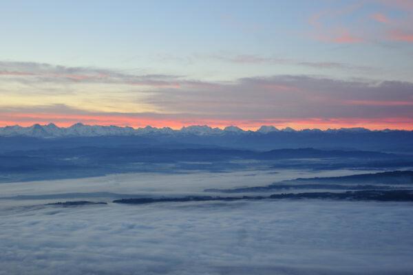 Grandiose Aussicht vom Weissenstein auf die Alpenkette