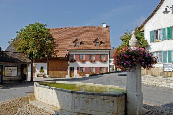 Dorfzentrum Blauen